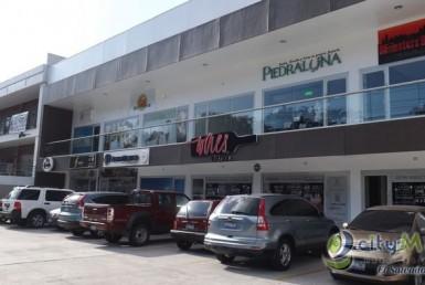 Alquilo local en Plaza Comercial en La Mascota