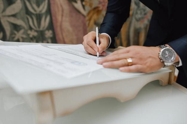 ¿Qué es un poder notarial y que datos debe llevar para comprar o vender una propiedad inmobiliaria en El Salvador?