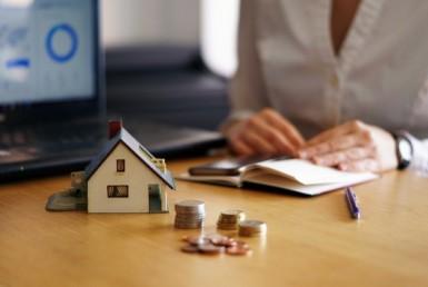 ¿Qué impuestos pago al comprar una casa en El Salvador?